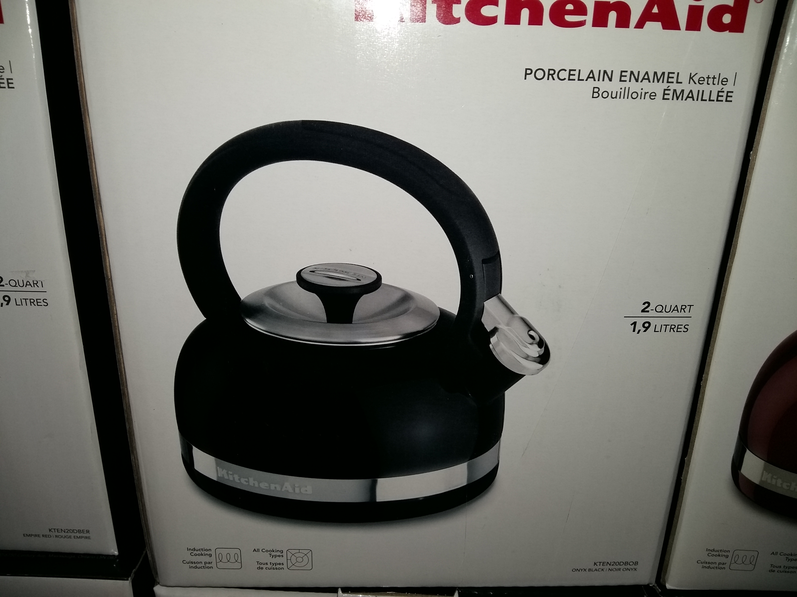 Чайник KitchenAid® 2-литра Porcelain Enamel Tea Kettle with Stainless Steel Handle Черный