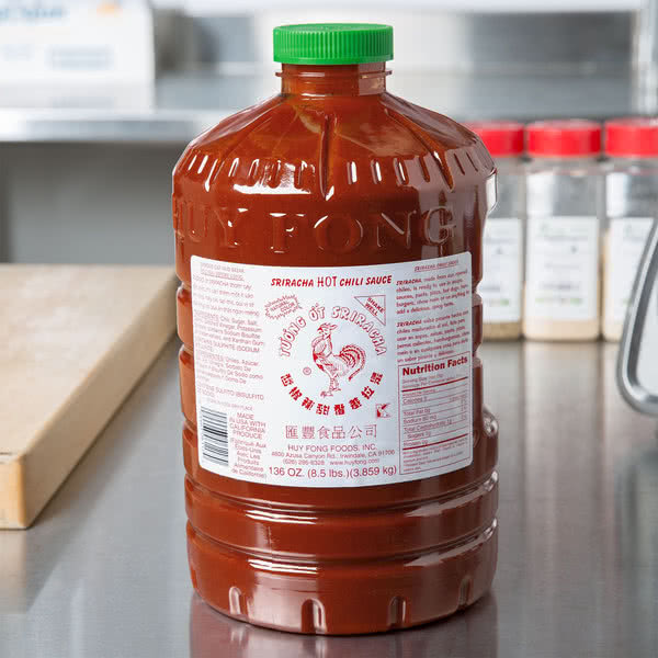 Соус сирача- острый соус Huy Fong Sriracha Hot Chili Sauce USA 3,86кг\8,5lbs Best before #125600117